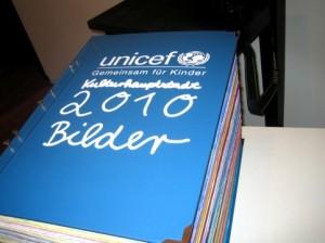 Der Buchdeckel des größten Kinderbuchs der Welt.
